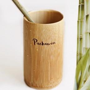 Vaso de bambú y pajita de bambú